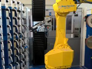 La lucidatura della maniglie con isola robotizzata