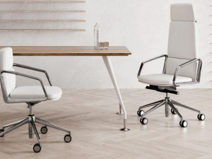 Basamenti delle sedie da ufficio realizzate da impianti robotizzati