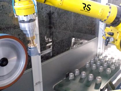 Impianti robotizzati per la smerigliatura e satinatura della Moka